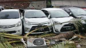 Mobil yang Rusak Karena Tsunami Belum Tentu Ditanggung Asuransi