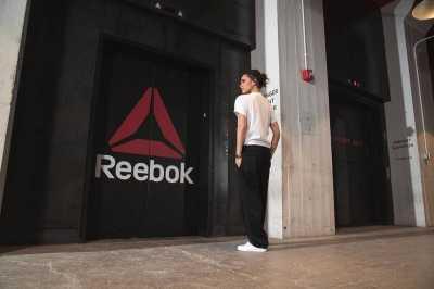 Kolaborasi Baju Olahraga Victoria Beckham dengan Reebok