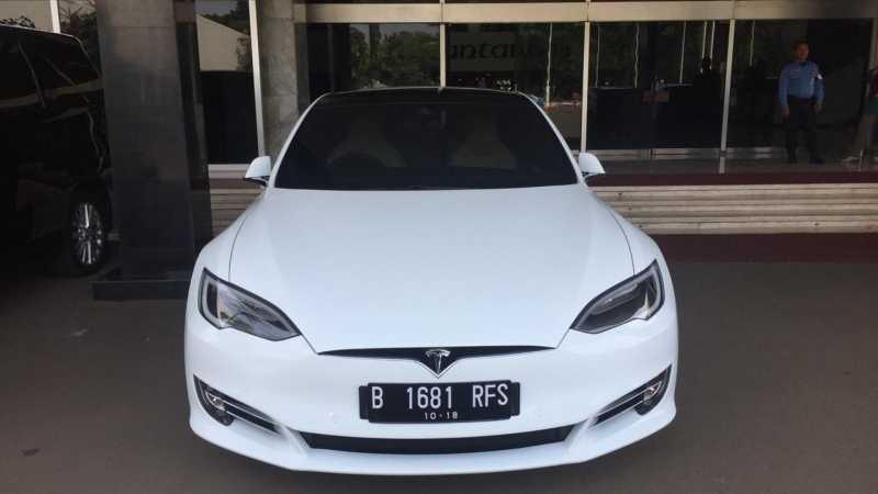 Cerita Pemilik Mobil Listrik Tesla di Jakarta, Nyaris Tanpa Perawatan Lho