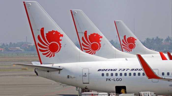 Seorang Wanita Melahirkan di Pesawat Lion Air Rute Makassar - Kendari