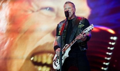 James Hetfield Direhabilitasi, Metallica Tunda Tur Dunia