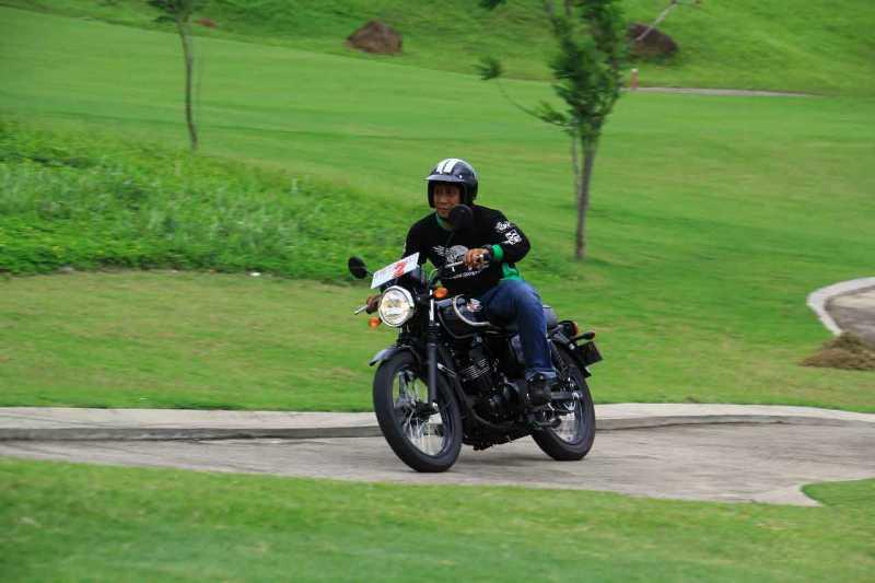 Test Ride Kawasaki W175