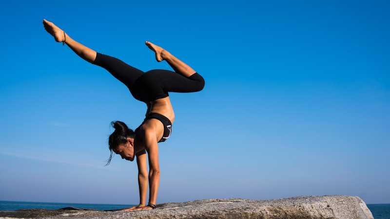 5 Alasan untuk Melakukan Yoga Minggu Ini