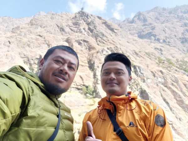 Kisah Pendaki Asal Tegal Selamat dari Badai Salju Pegunungan Himalaya