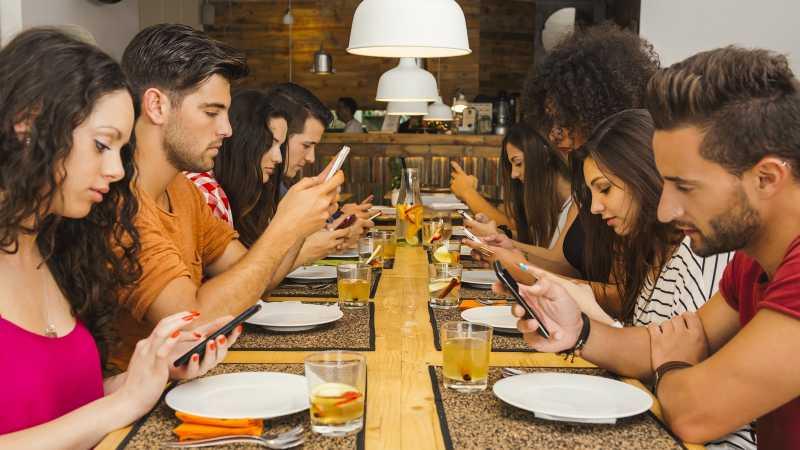 Tips Mengatasi Kecanduan Main Smartphone