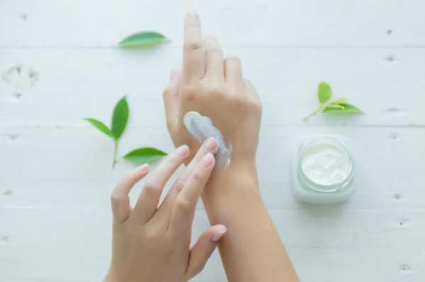 5 Resep DIY & Cara Ampuh Menghaluskan Telapak Tangan
