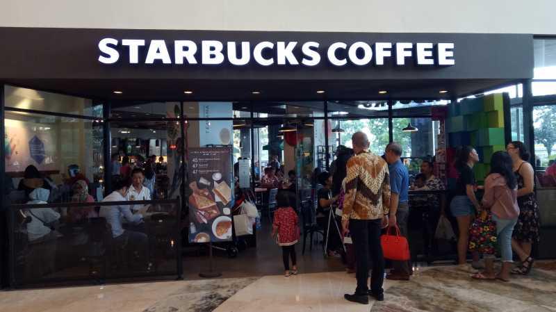 Starbucks Akan Tutup 8.000 Gerainya Sehari di AS
