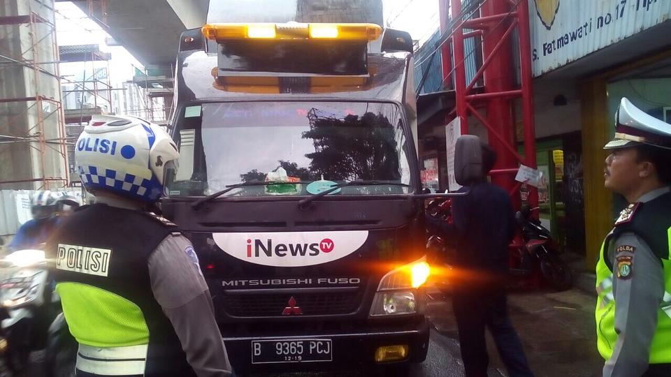 Saat Mobil Stasiun TV yang Pakai Rotator Terciduk Polisi