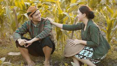 Vicky Shu dan Suami Berencana Punya 11 Anak