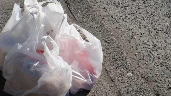 Jual Plastik di Kawasan Pasar Jaya Akan Didenda Hingga Rp 25 Juta