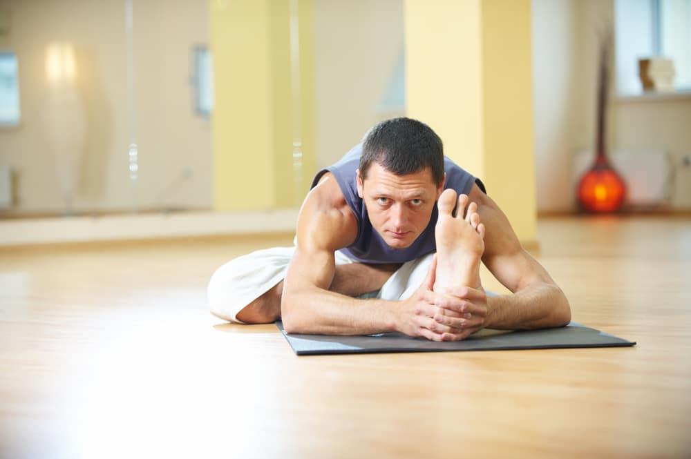 4 Gerakan Yoga untuk Pria yang Bisa Mengatasi Impotensi
