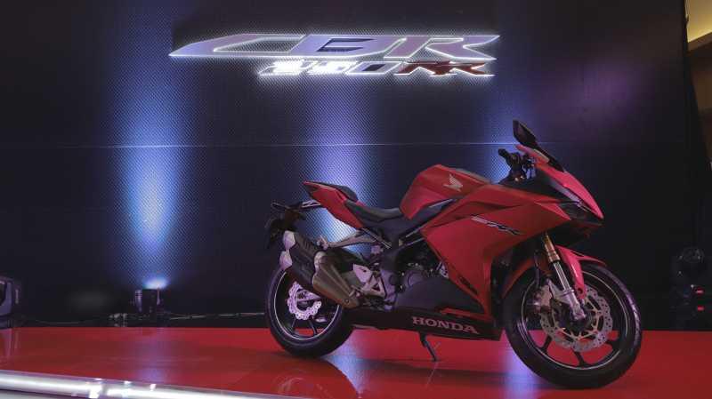 Fitur Andalan Honda CBR250RR untuk Melawan Yamaha R25 Baru