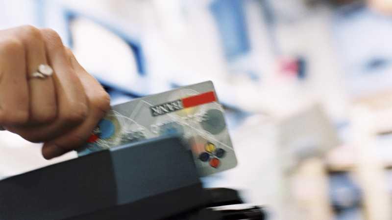 Waspada! Jangan Mau Gesek Kartu Kredit di Mesin Kasir