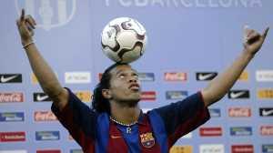 Ronaldinho Bantah Akan Menikahi Dua Wanita Sekaligus